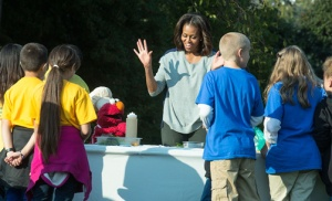 Elomo joins Mrs Obama to promote healthy eating.